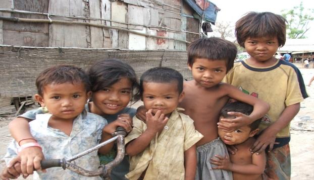 Pobreza en la infancia, asociada con menos desarrollo del cerebro
